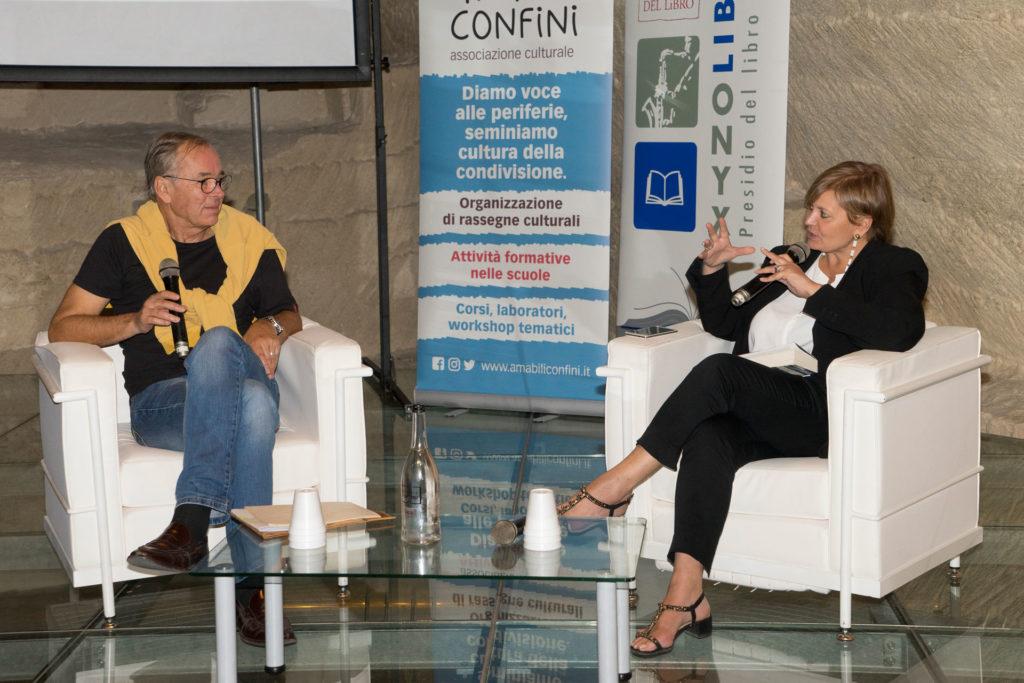 Lo scrittore svedese Björn Larsson e la giornalista Antonella Ciervo, durante uno degli incontri de I Boreali a Matera